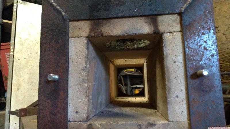 Inside lengthened pellet stove fire box