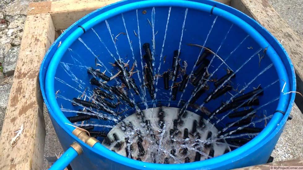 système d'eau pour plumeuse à poulet whizbang fait maison