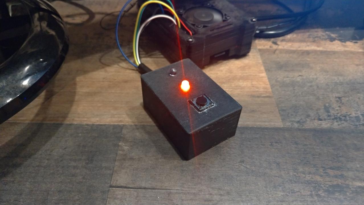 L'enregistreur de temps Raspberry Pi terminé fonctionne